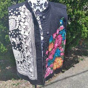Chicos platinum   embrodered vest